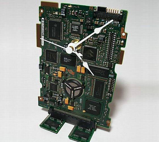 Circuit-Board-Desk-Clock Clock Designs Inspiration