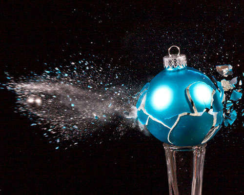 broken-christmas High-Speed Photography: 30 Fascinating Photography