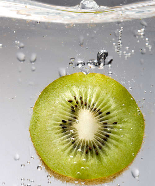 the-kiwi-dive High-Speed Photography: 30 Fascinating Photography